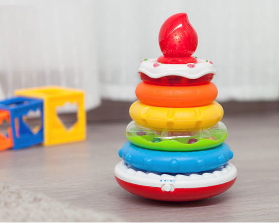 Roly-poly penguin toy in pink